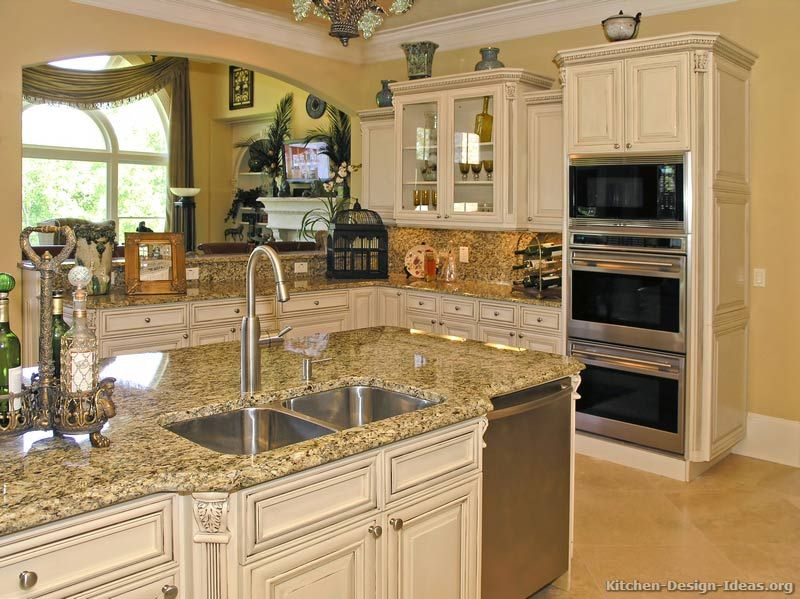 Traditional Antique White Kitchen Great Liance Set Up