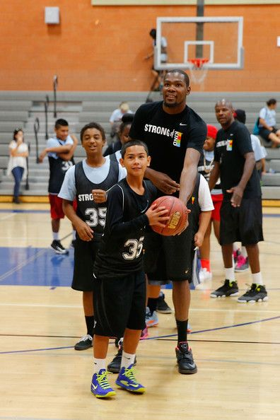 Kevin Durant and KIND Surprise Foster Youth