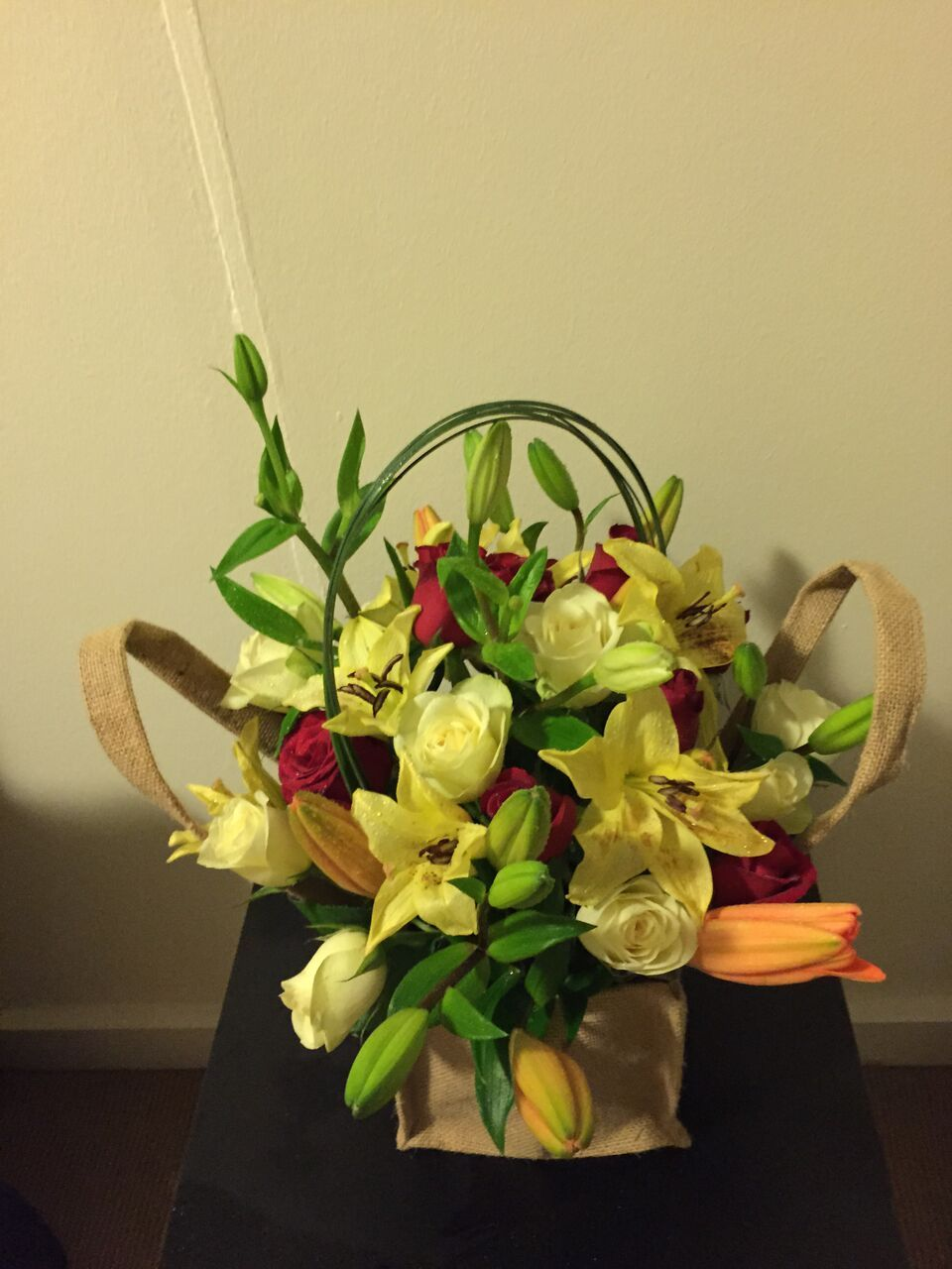 Send Gift Bag Bouquets Online To Melbourne This Beautiful Flower