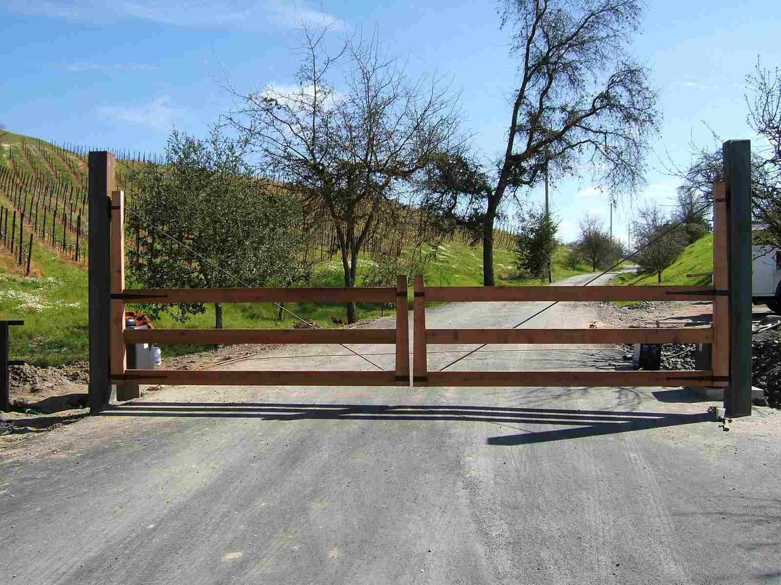 Redwood Gate With Steel Frame Entry Gates Pinterest