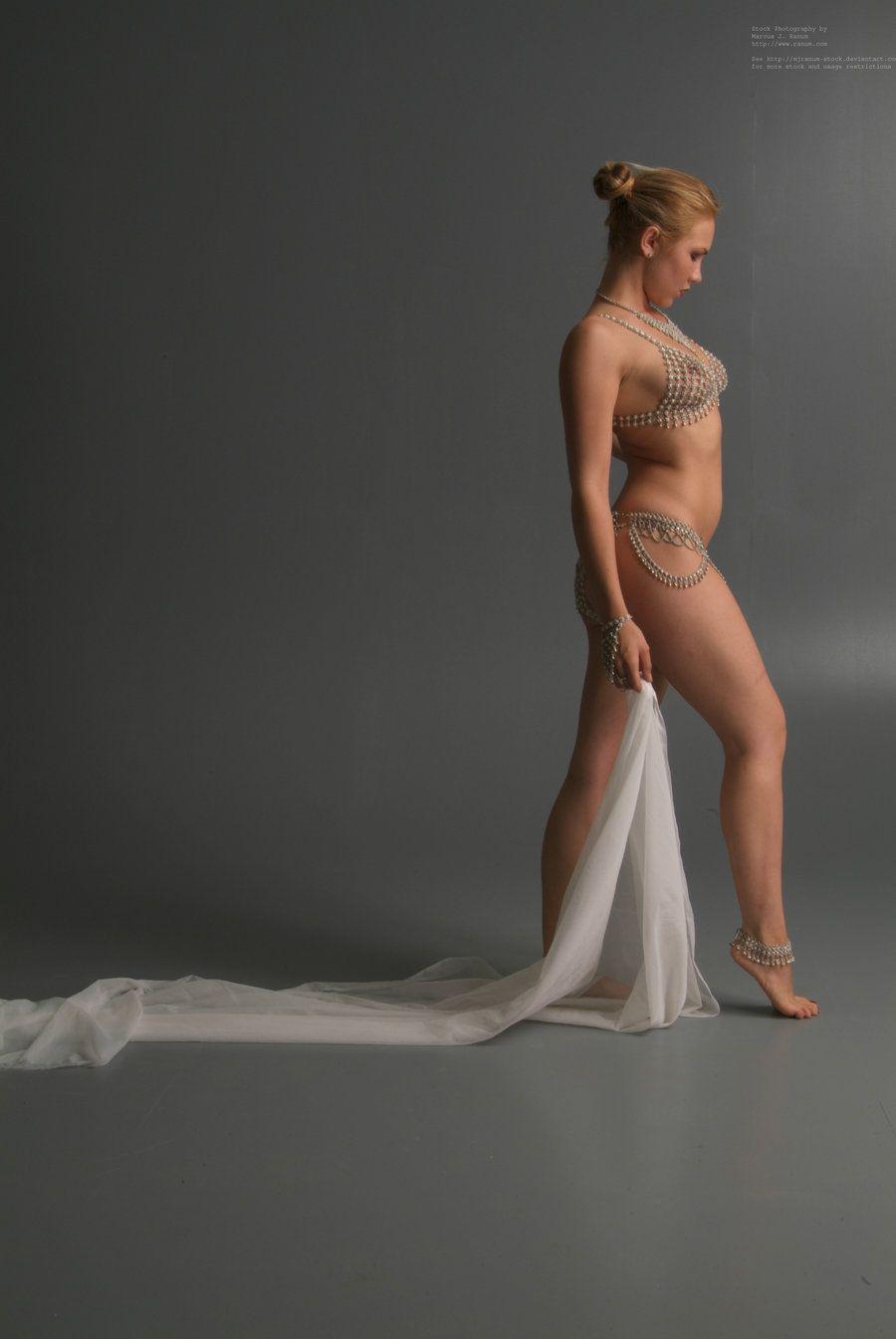 Female side profile nude