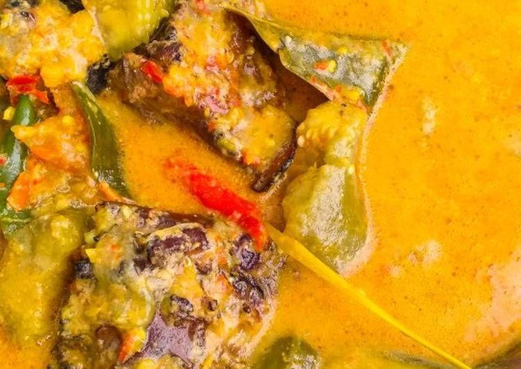 Resep Ikan Pari Asap Terong Hijau Santan Pedas Mangut Genjong Oleh Dapur Labeeba Resep Resep Ikan Ikan Makanan