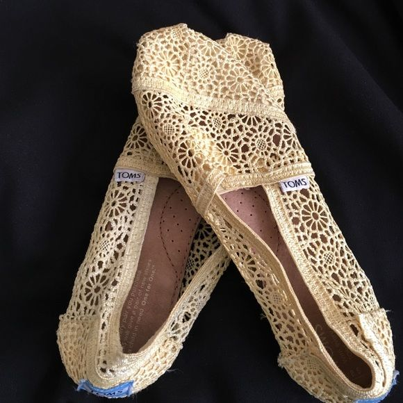 TOMS crochet shoes Yellow crotchet TOMS TOMS Shoes Flats & Loafers