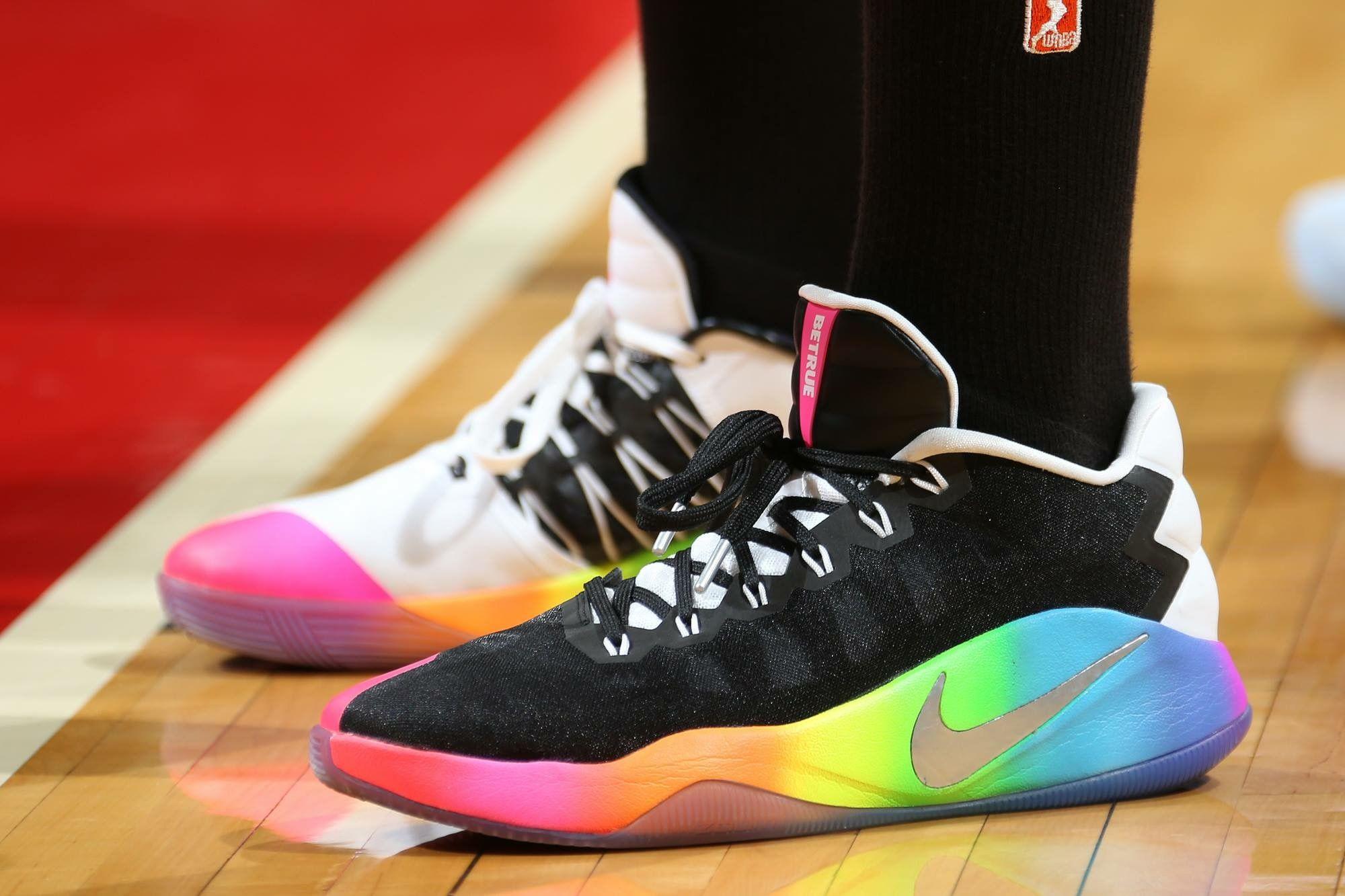 plátano Dispuesto Moda  Elena Delle Donne's #WNBAPride kicks #NIKE | Sneaker head, Sneakers,  Sneakers nike