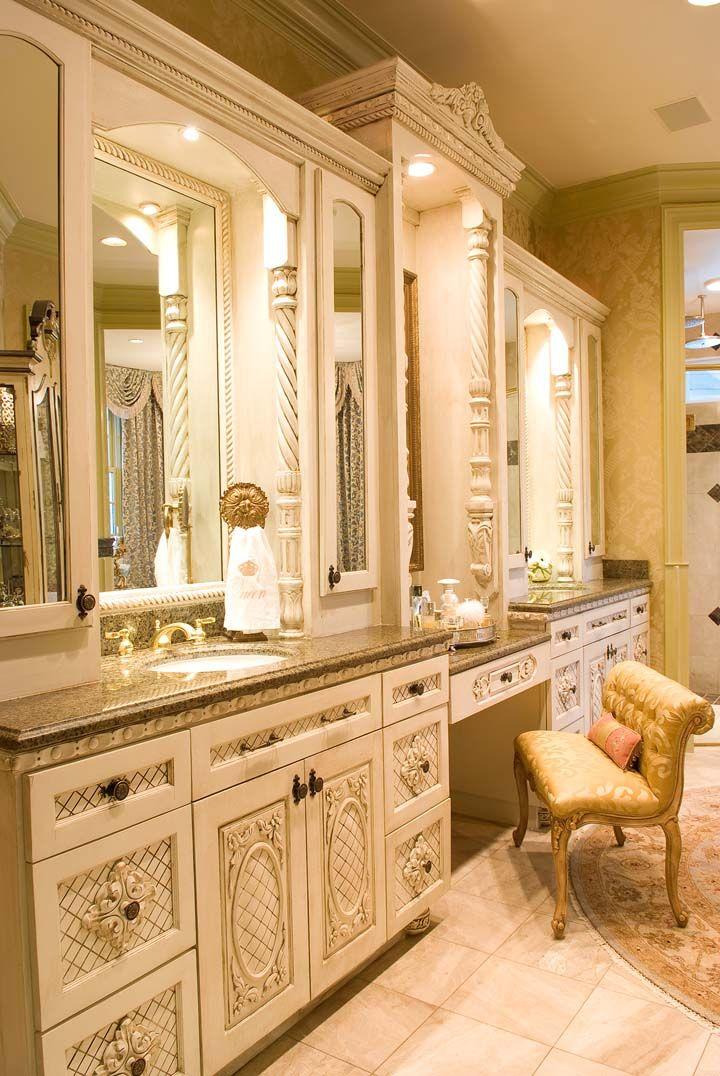 Paris Style Bathroom Decor: A Parisian-style, Yet Livable Palace