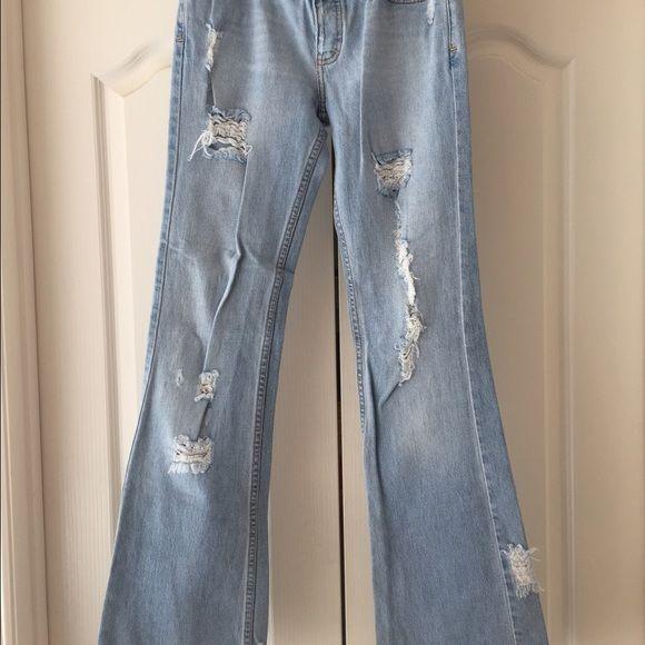 Hollister distressed/destroyed light bootcut jeans Hollister distressed/destroyed light bootcut jeans Hollister Jeans Boot Cut