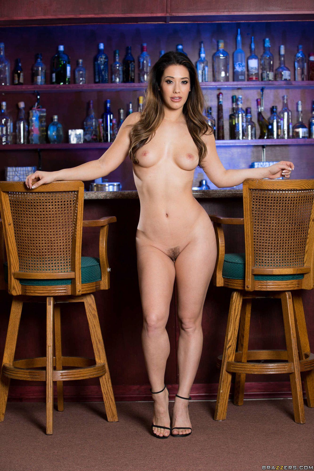 naked Eva lovia