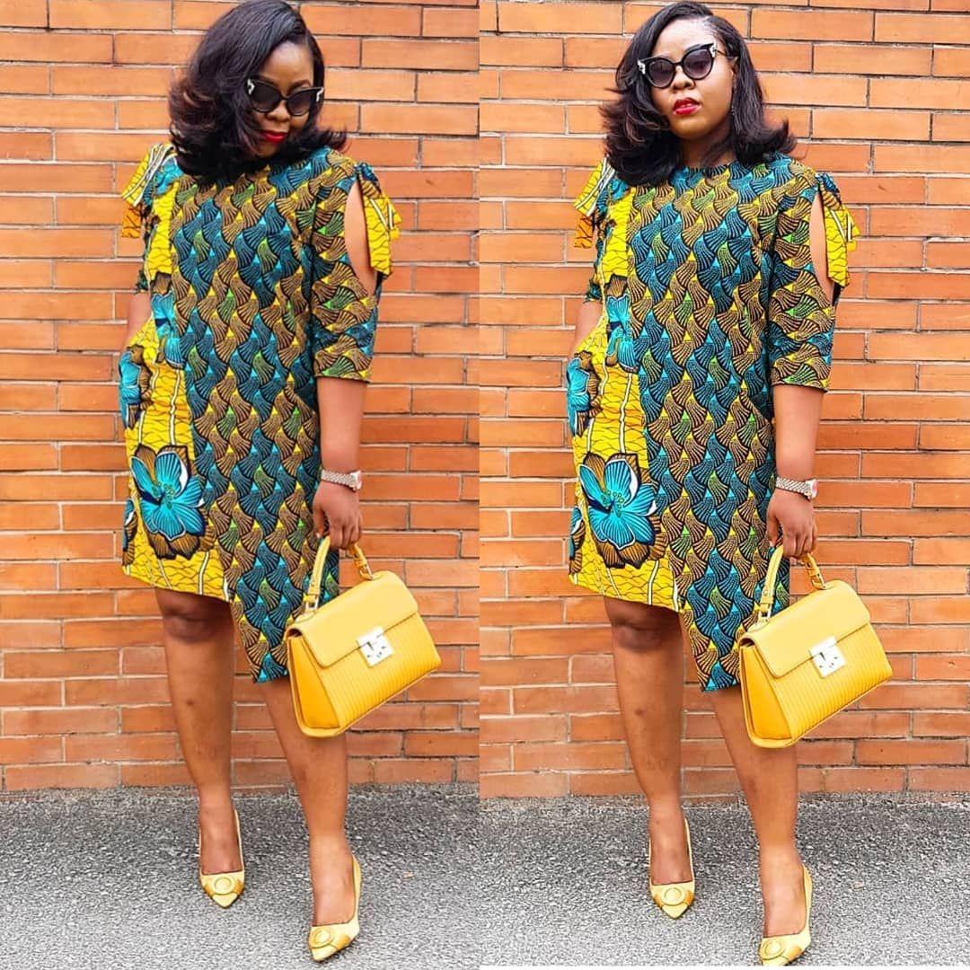 L'image contient peut-être : 2 personnes, personnes debout et lunettes_soleil   Mode africaine ...