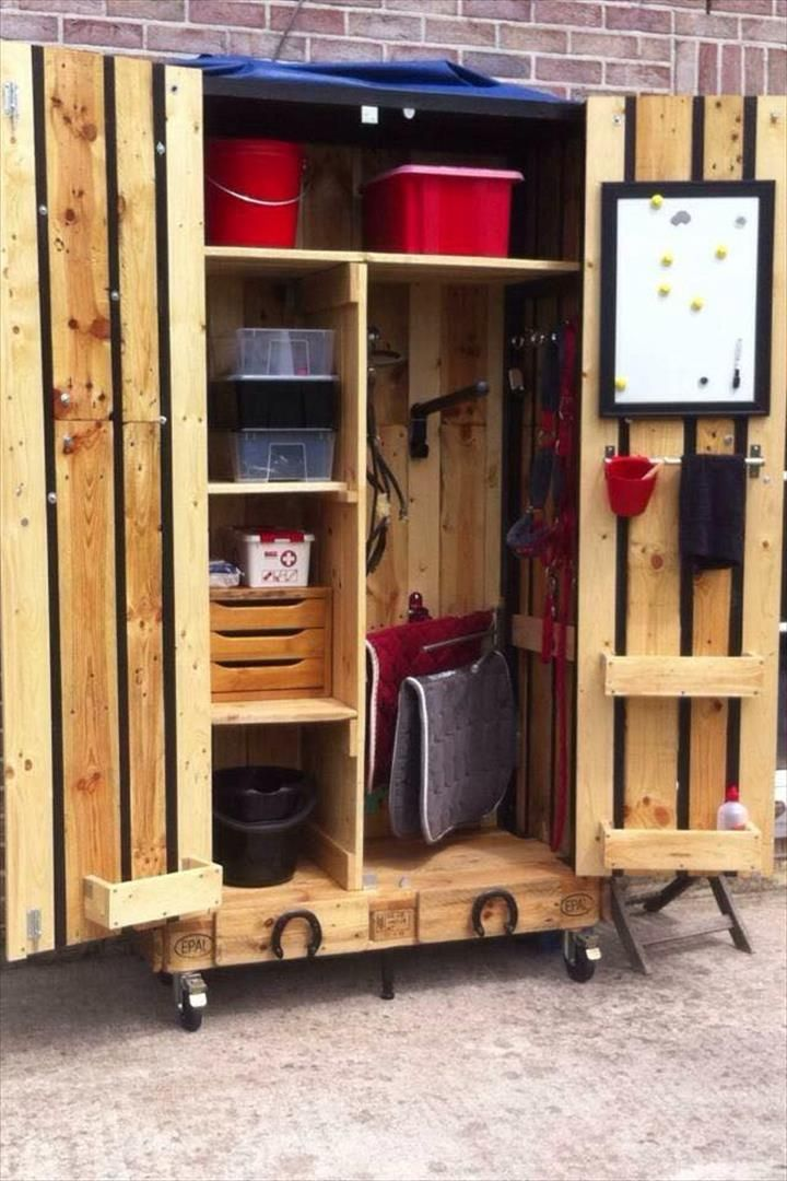 DIY Pallet Armoire U2013 Pallet Cabinet On Wheels | 99 Pallets