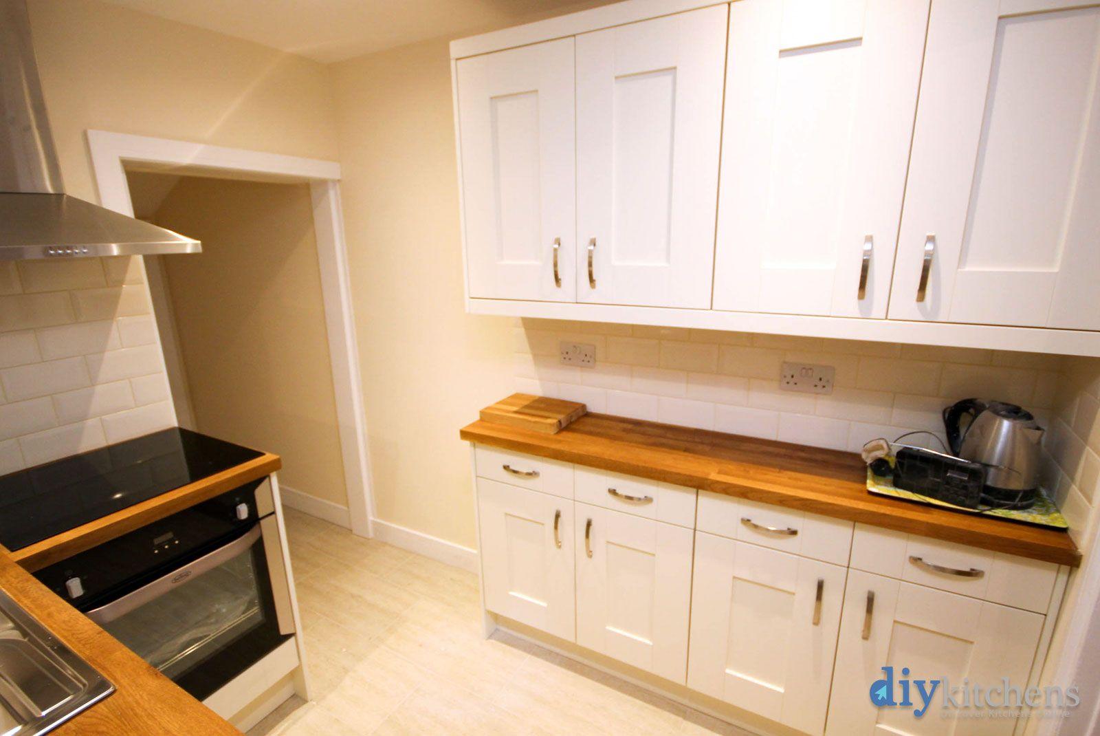 An Innova Malton Alabaster Shaker Kitchen Kitchen, New
