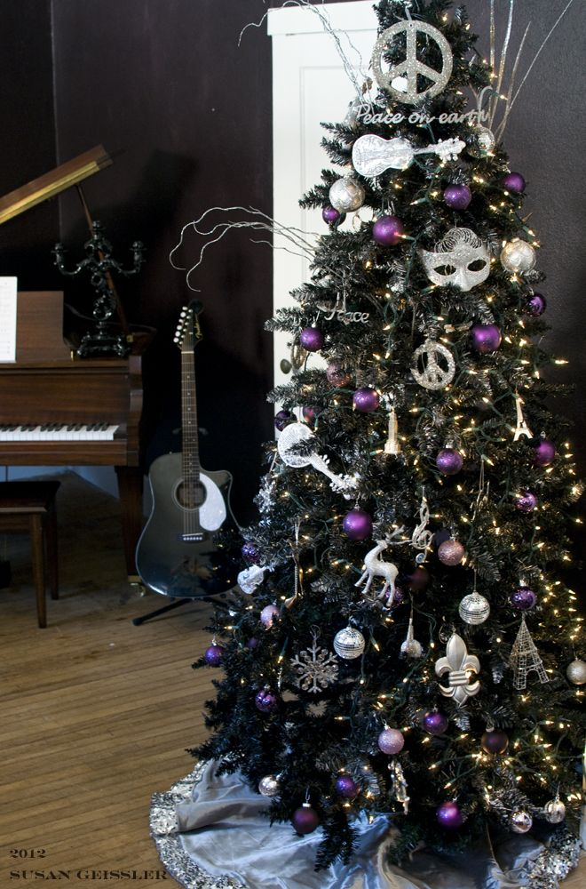 ideological activities of a cranky yankee black christmas trees for shiny happy people - Black Christmas Tree With Purple Decorations