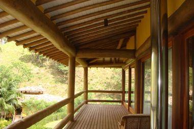 Varanda De Eucalipto Com Imagens Casa De Madeira Rustica Casa