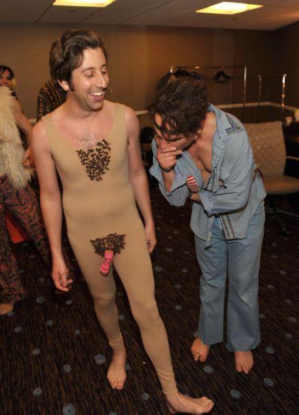 Johnny galecki naked