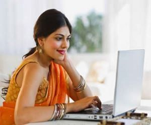 Indian Housewives Making Rs  4,50,000Month from Home