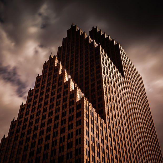 Diese Gebäude sehen alle aus als wären sie Residenzen von Hollywood Bösewichten, sie alle haben etwas böses an sich und sind prädestiniert für die nächste James Bond Bösewicht Residenz.