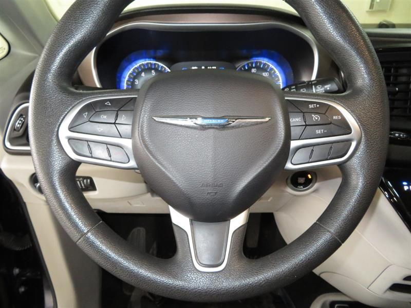2017 Chrysler Pacifica LX in 2020 Chrysler pacifica