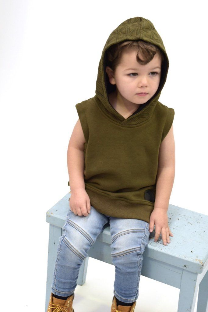 672add2f314 Kids Style - Sleeveless hoodie with embroidered and lined hood. Perfect for  layering as well as wearing on its own. Colour -