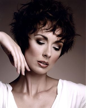 The Hair Studio Medium Brown Female Curly F Choppy Womens Styles Harry Boo Of Leeds British Hairdressing Awards