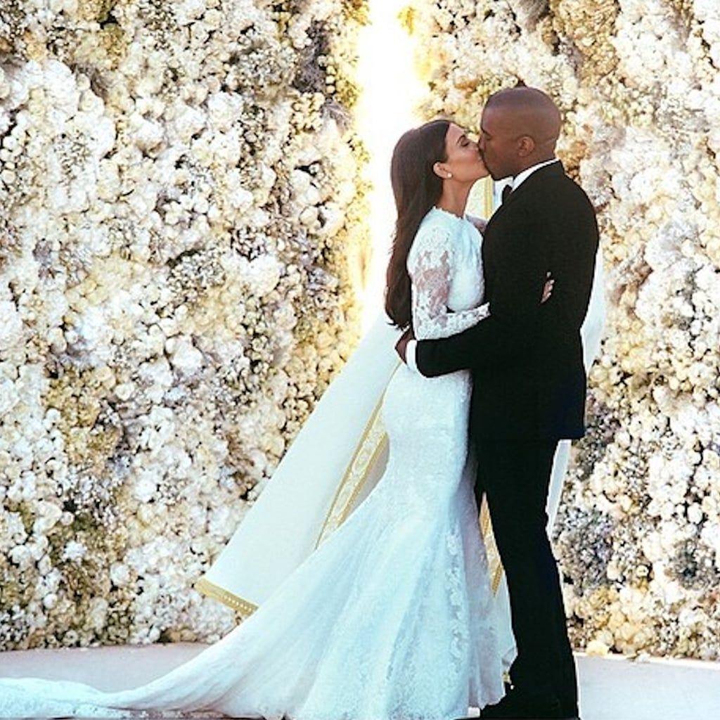 Kim Kardashian Wedding Dress   Kim kardashian wedding dress, Kim ...