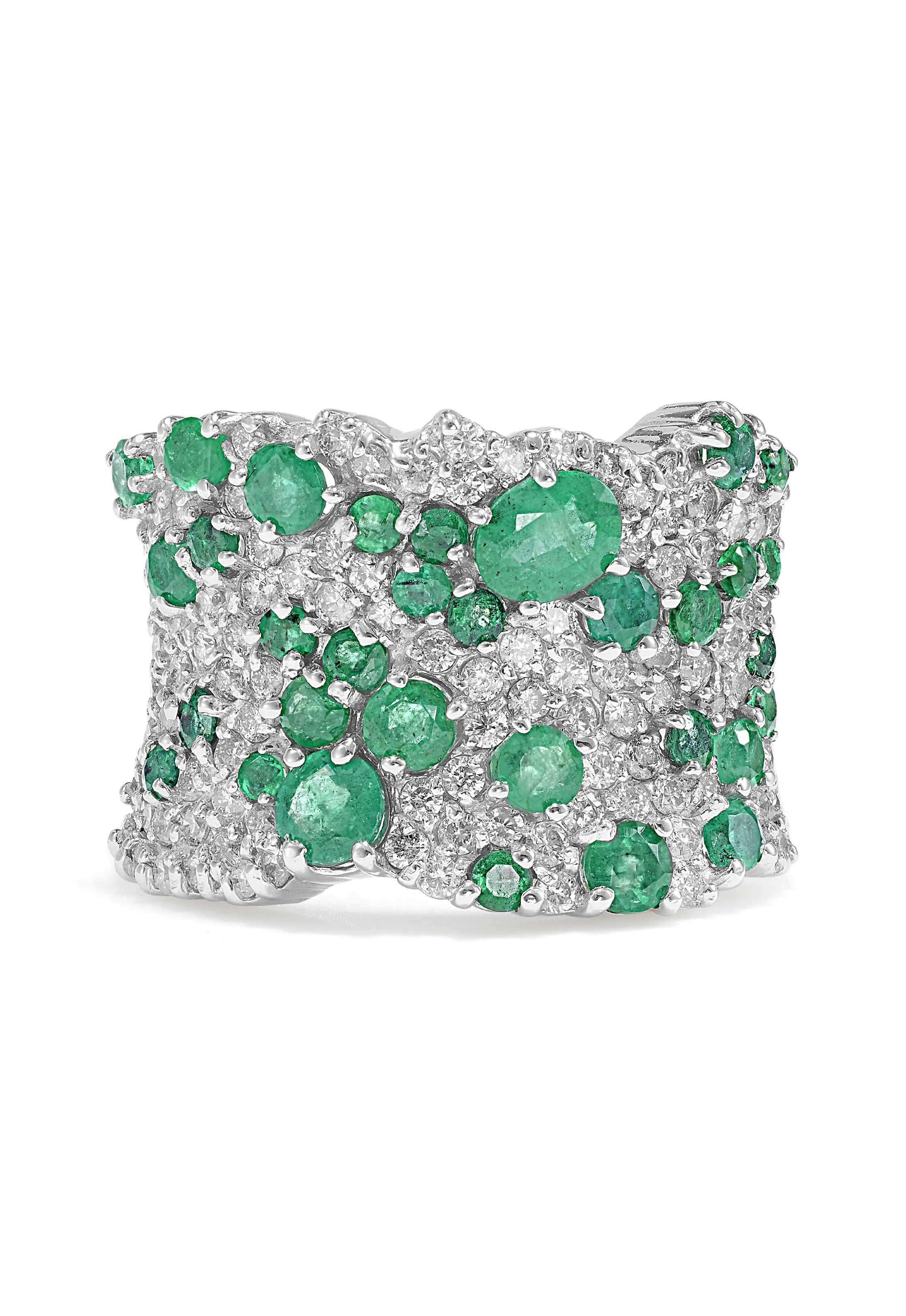diamond gold ring panthere cocktail emerald white jewelry cartier round enameled and