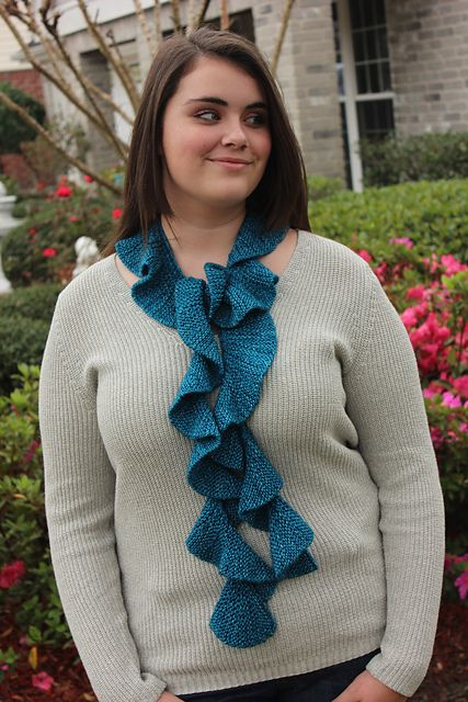 Ravelry Learn To Knit A Spiral Scarf Pattern By Staci Perry