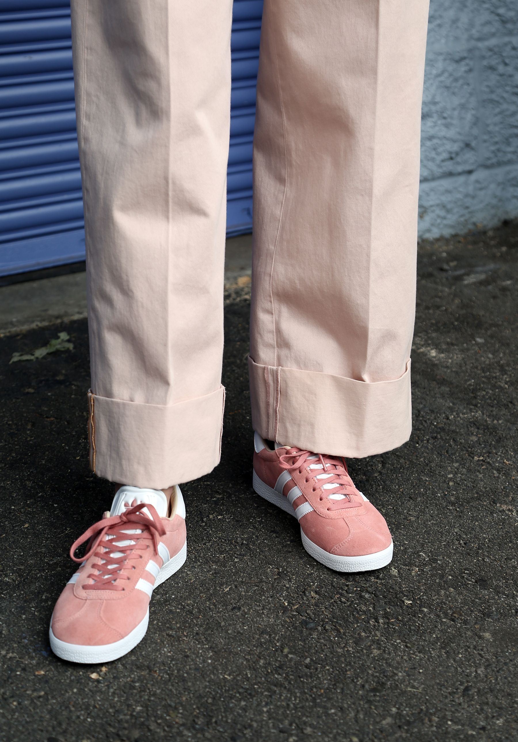 sangre Prohibición Vadear  Adidas #GAZELLE in Ash Pearl paired with Acne chinos. | Sneakers, Sneakers  nike, Nike cortez sneaker