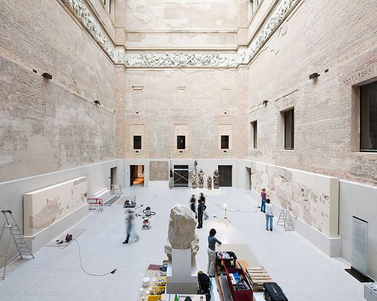Final Preparations Of The Neues Museum In Berlin For Stern And Die Zeit 2009 Neuesmuseum Stern Diezeit Museum Museumsinsel Ant Museum Berlin Instagram