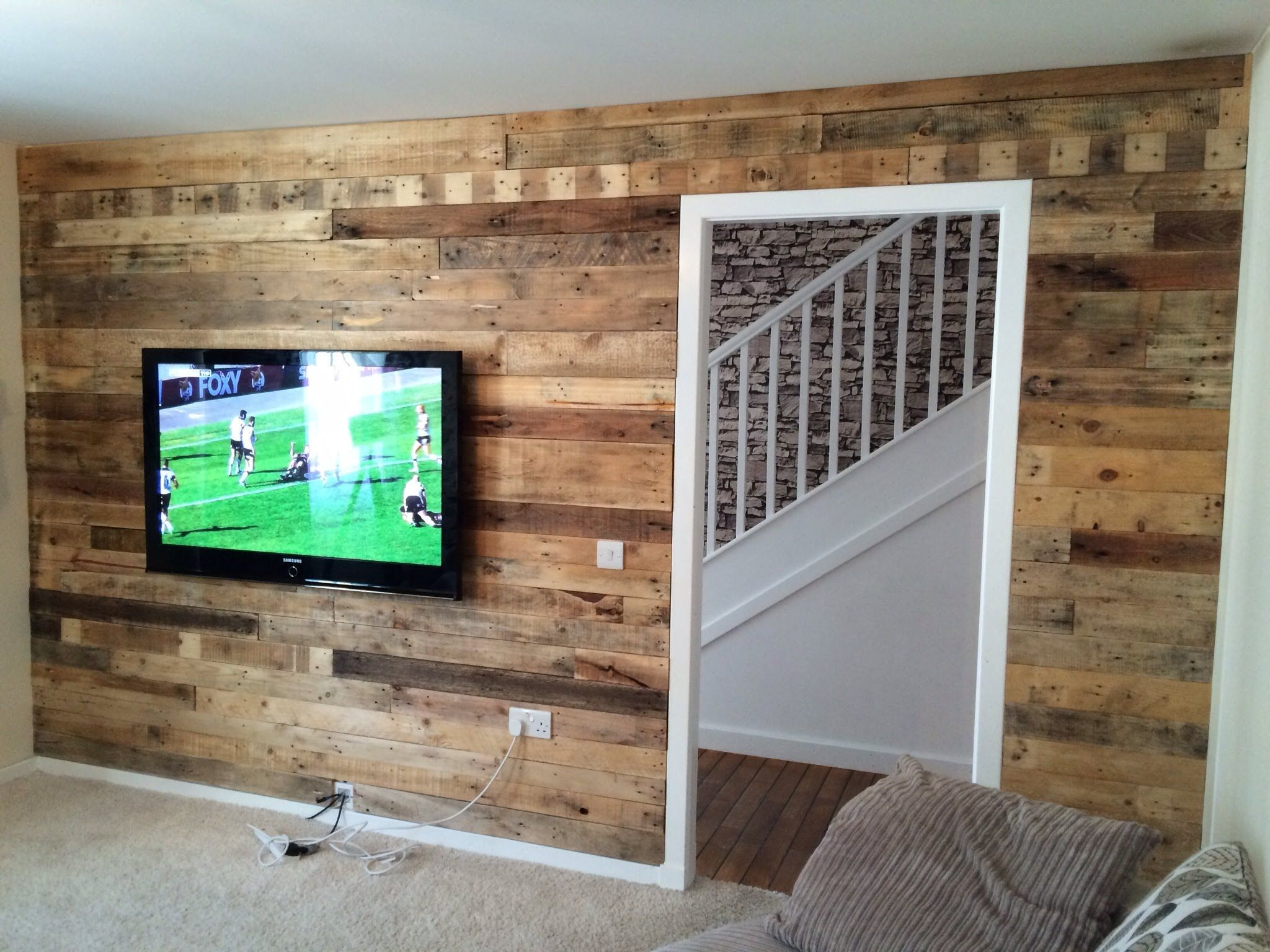 Pallet wood wall video Pallet wood wall