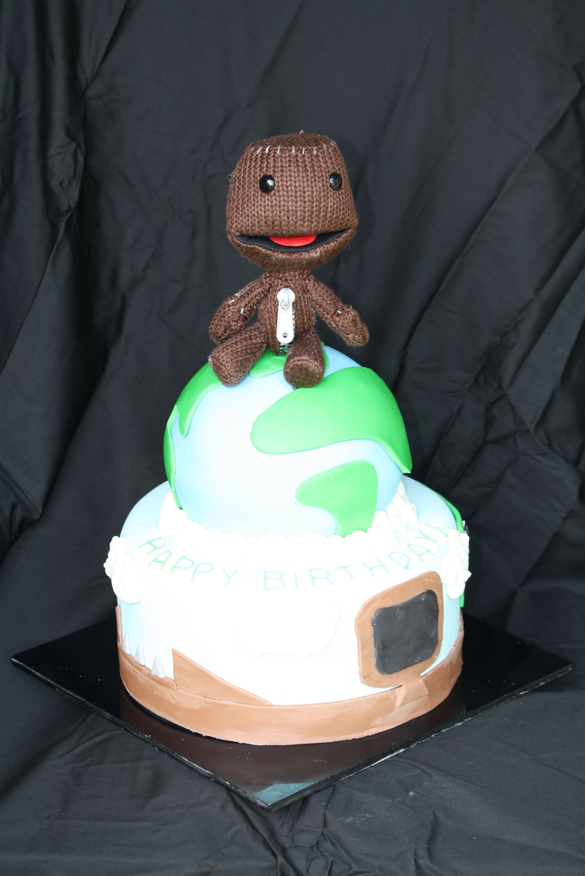 Surprising Little Big Planet Birthday Cake With Sackboy Topper Happy 14Th Birthday Cards Printable Riciscafe Filternl