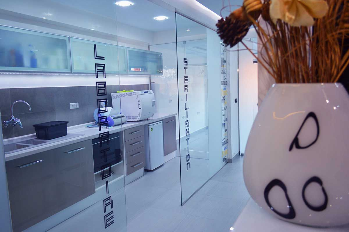 Le Cabinet En Images Medecin Dentiste Marrakech Cabinet Dentaire Dentaire Cabinet