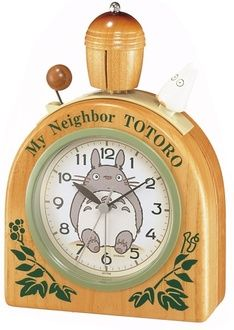 My Neighbor Totoro clock~ This makes me so happy!
