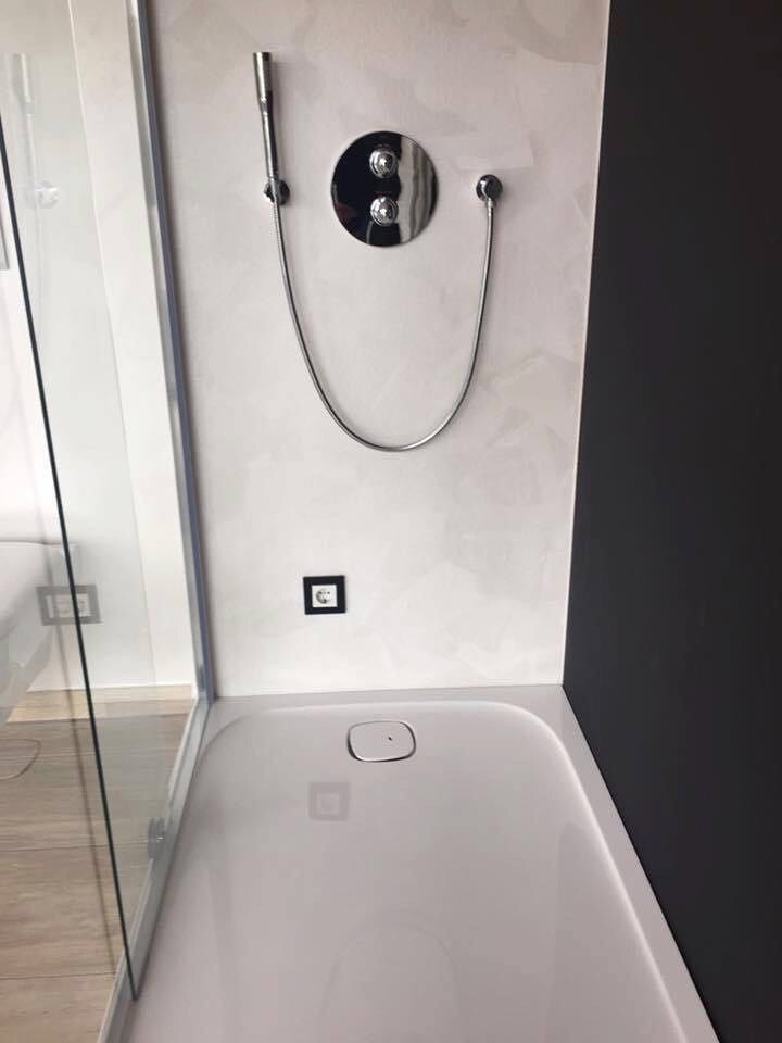 Steckdose in der Dusche?? | Elektro | Steckdosen, Lustig ...