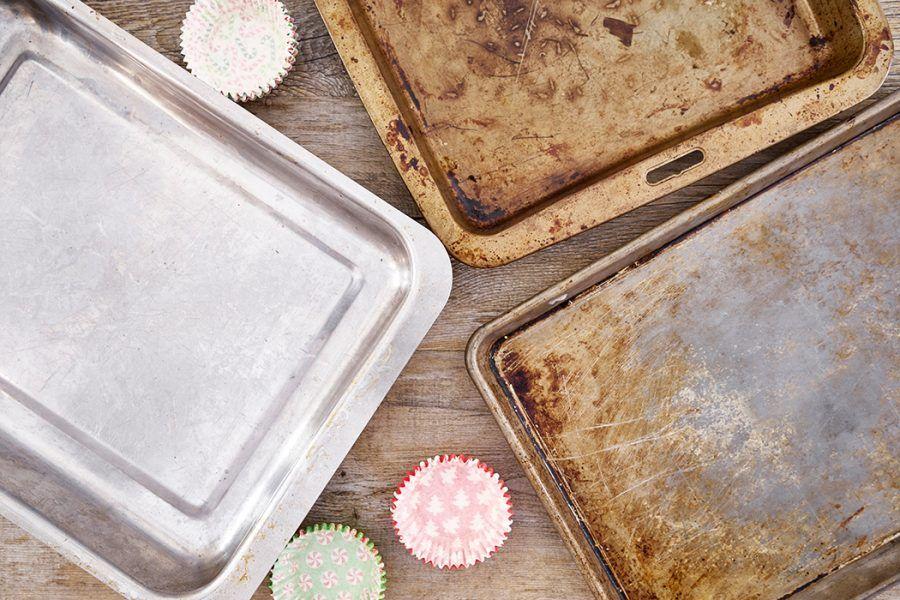 4 sätt att rengöra ugnsplåtar utan kemikalier How to