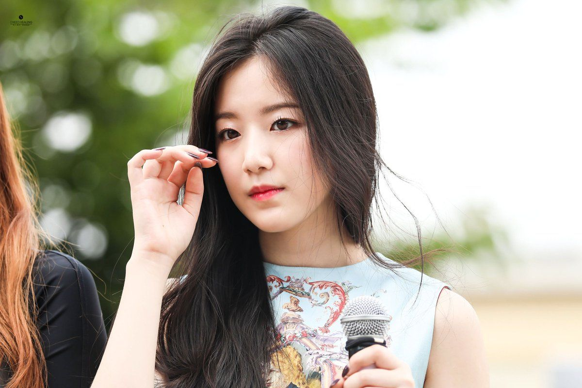Official G I Dle S Maknae Yeh Shuhua Thread Hann New Op Page 14 Individual Artists Onehallyu In 2020 Hann Girl First Girl
