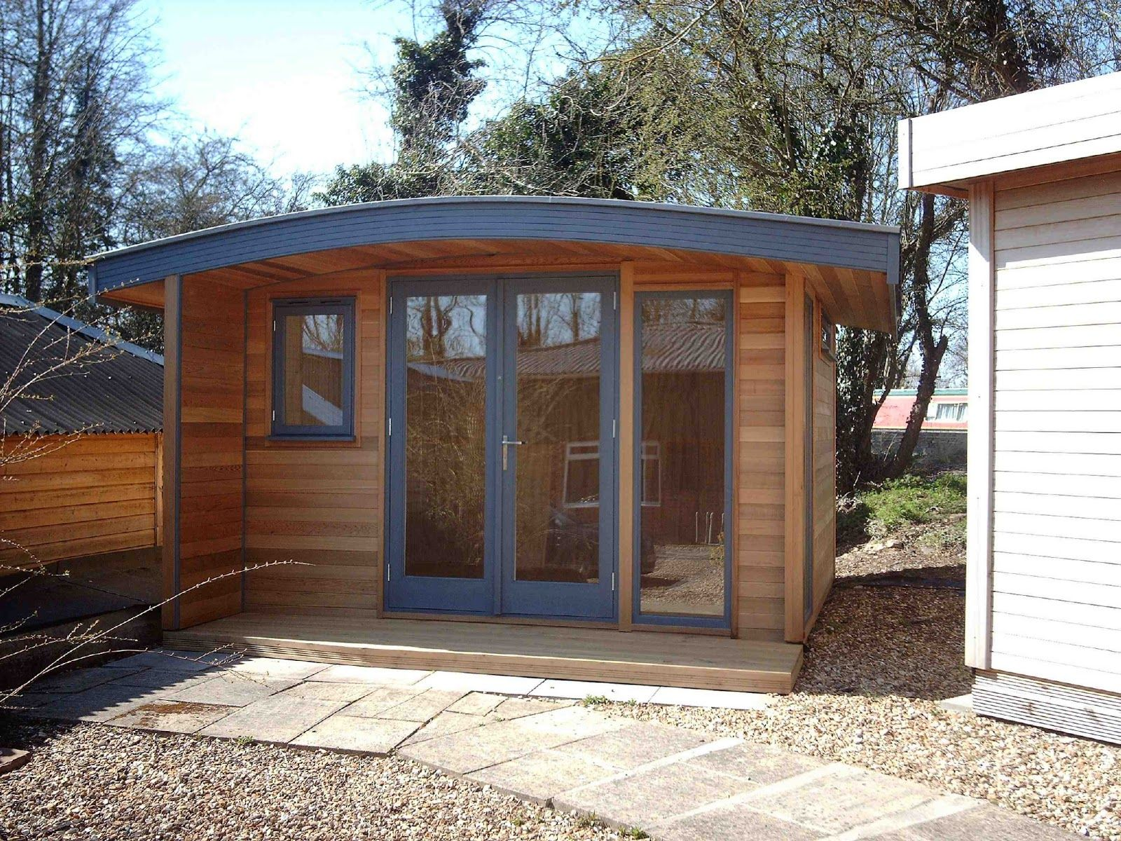 Shedworking curved roof garden office dream home tiny for Cedar garden office