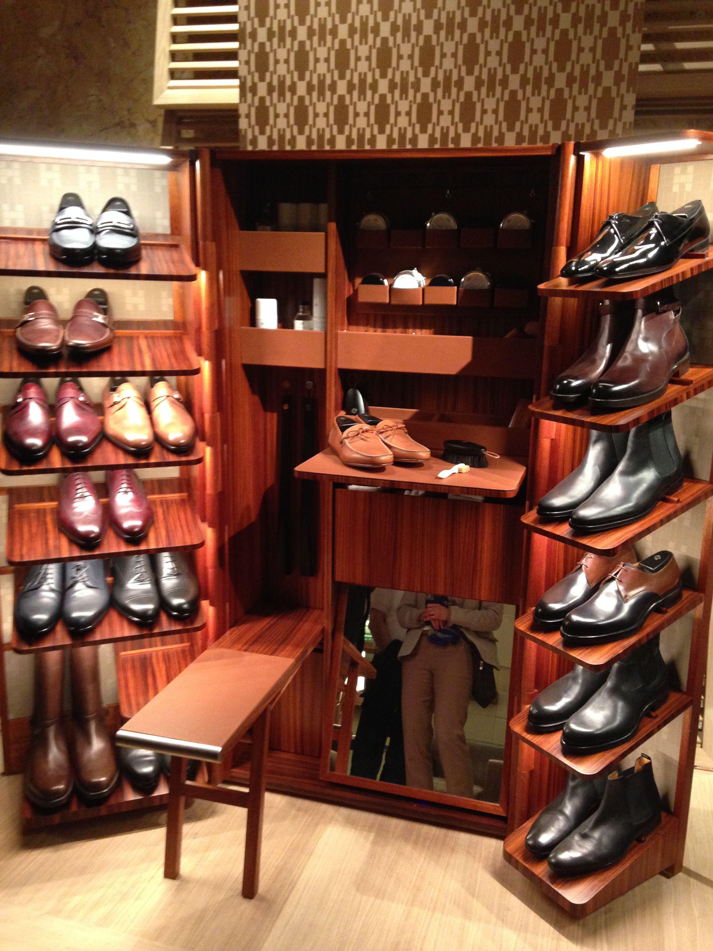 Hermès Schuhputz-Schrankkoffer für €300\'000.- (ohne Schuhe)   Nice ...