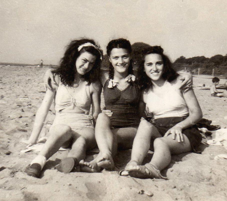 Three sisters in Heaven Rose, Jean, and Ellie Galati