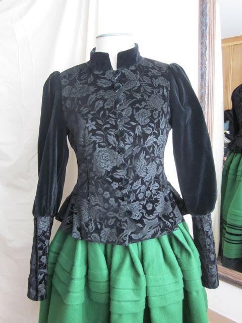 fdab52413 Anilegra moda para muñecas: Traje de gallega: chaqueta de gala para ...
