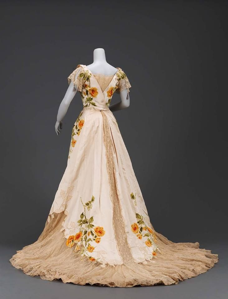 Worth Evening Gown, circa 1902