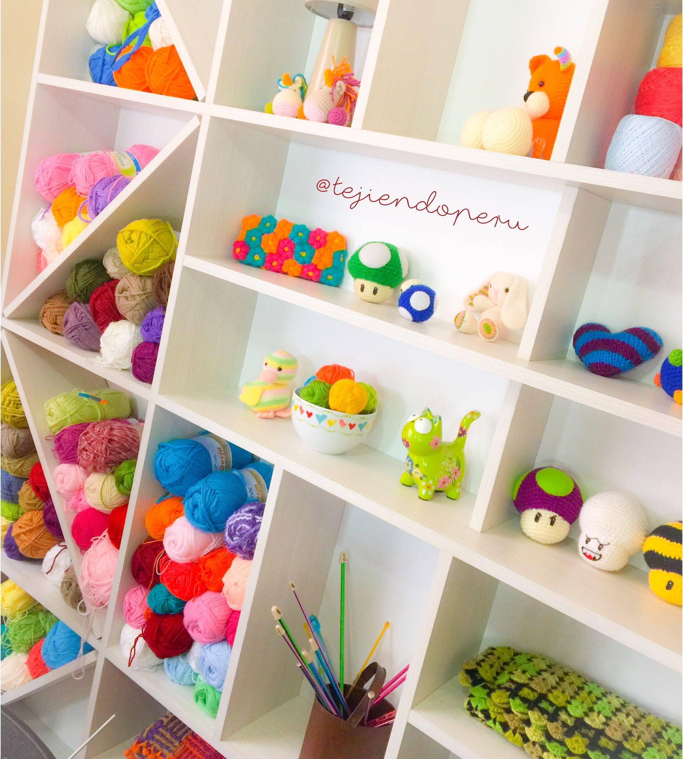 Mueble estante para guardar nuestros tejidos a crochet, dos agujas ...