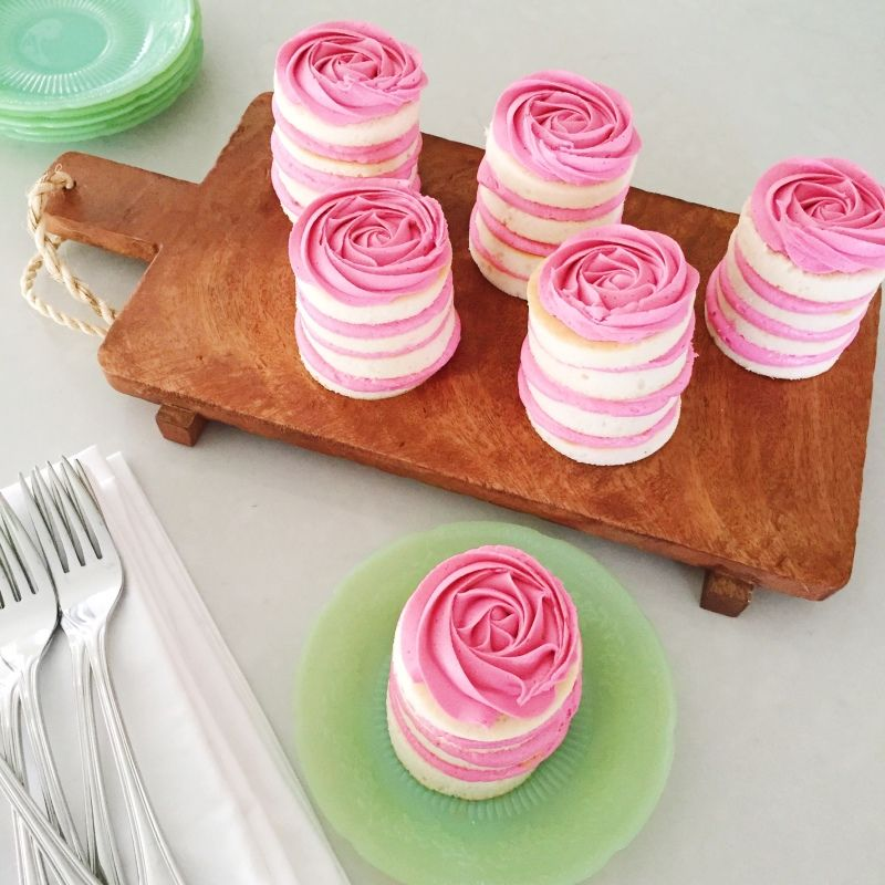 Mini rose cakes for mothers day Jennycookies.com