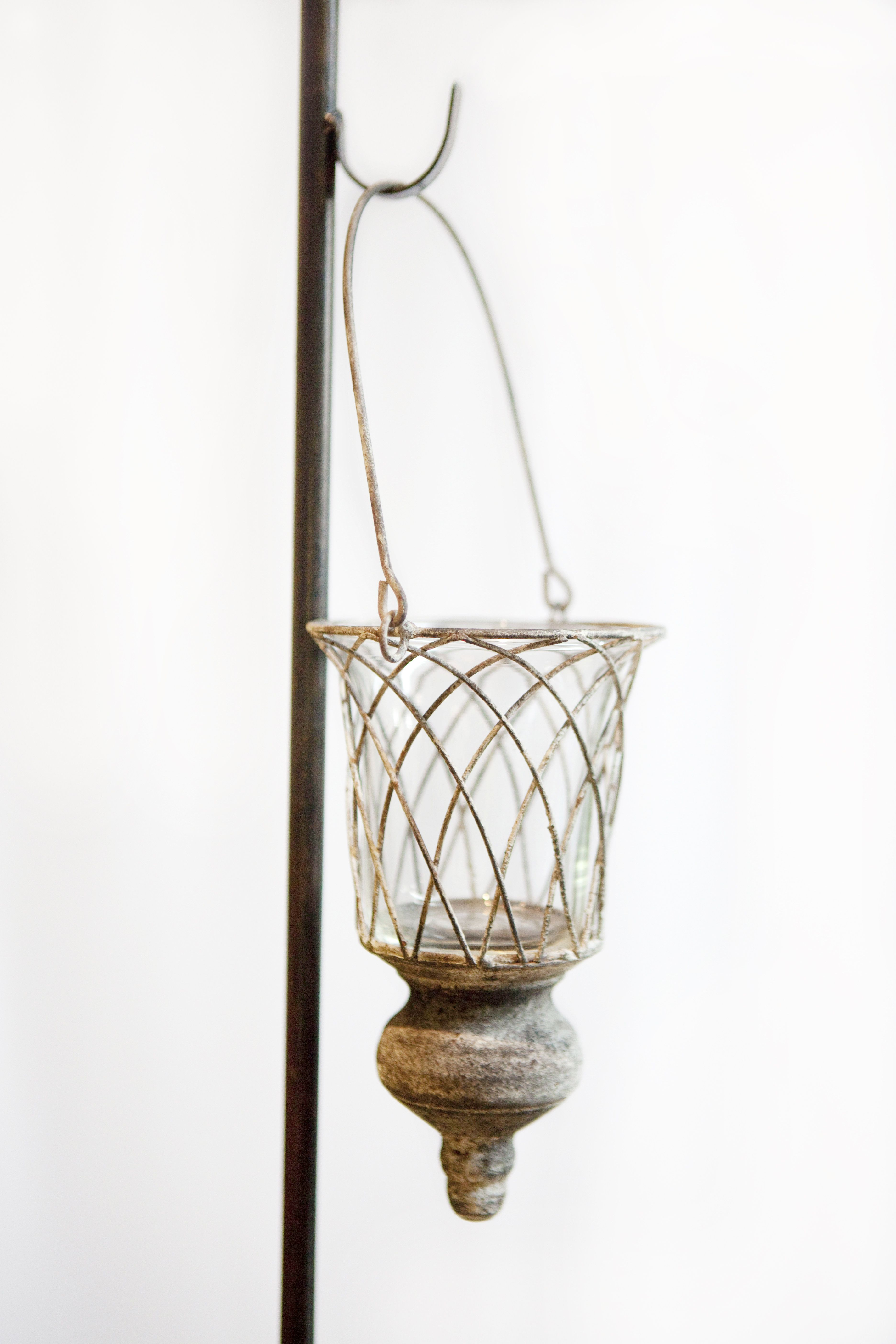 Aisle hanging vase rental is 4 6 available hanging