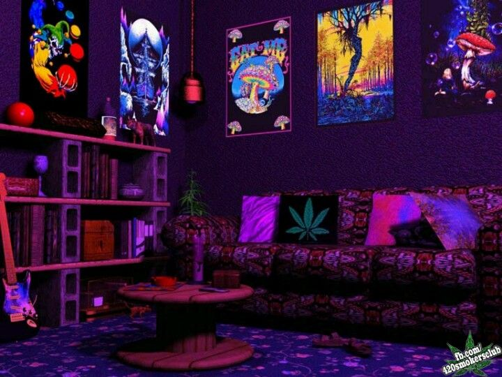 The black lights are trippy. Like the room dark and cozy ...