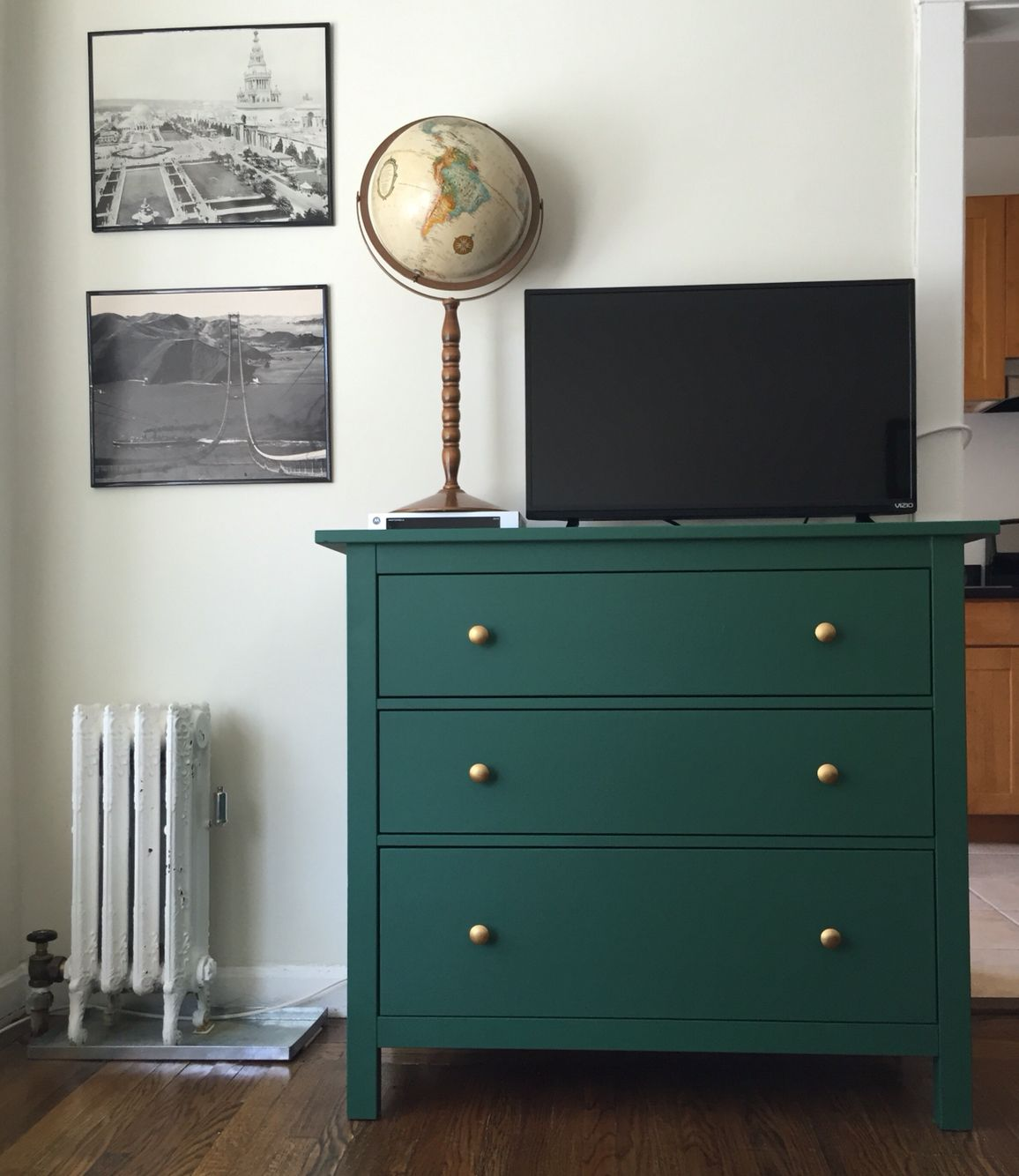 Ikea hemnes dresser hack chalkboard green hemnes for Chalk paint muebles ikea