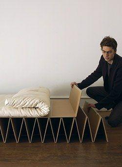 簡単便利なダンボールでできた折りたたみベッド   インテリアパンチ