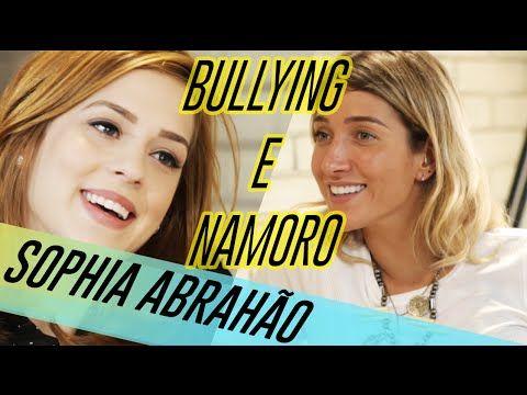 Sophia Abrahão nesse vídeo - não consigo definir essa cor mas ameeeeei!