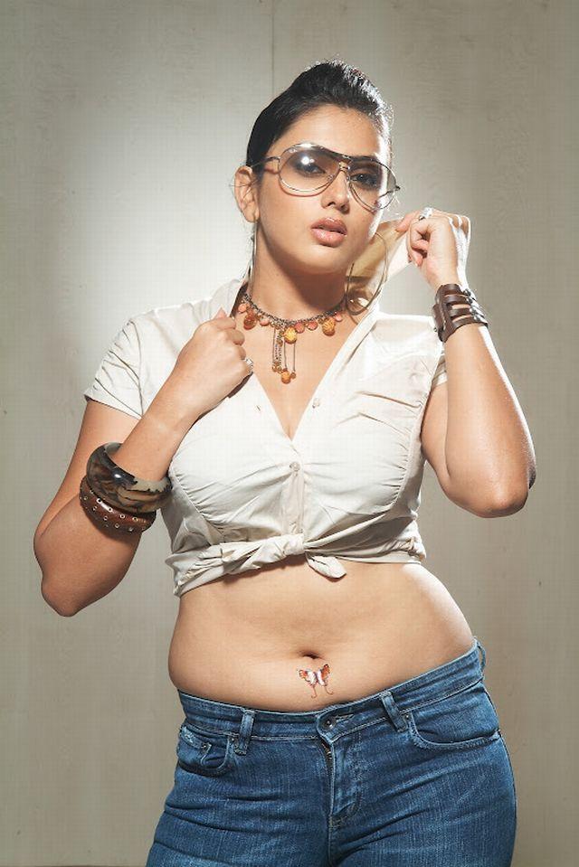 photo without dress fat mom Namitha