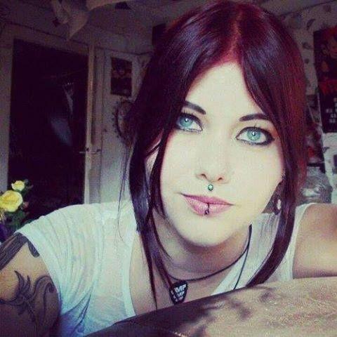 Sexy rocker girl    wwwfacebook sexyrockersgirl Gente - fresh genetic blueprint band