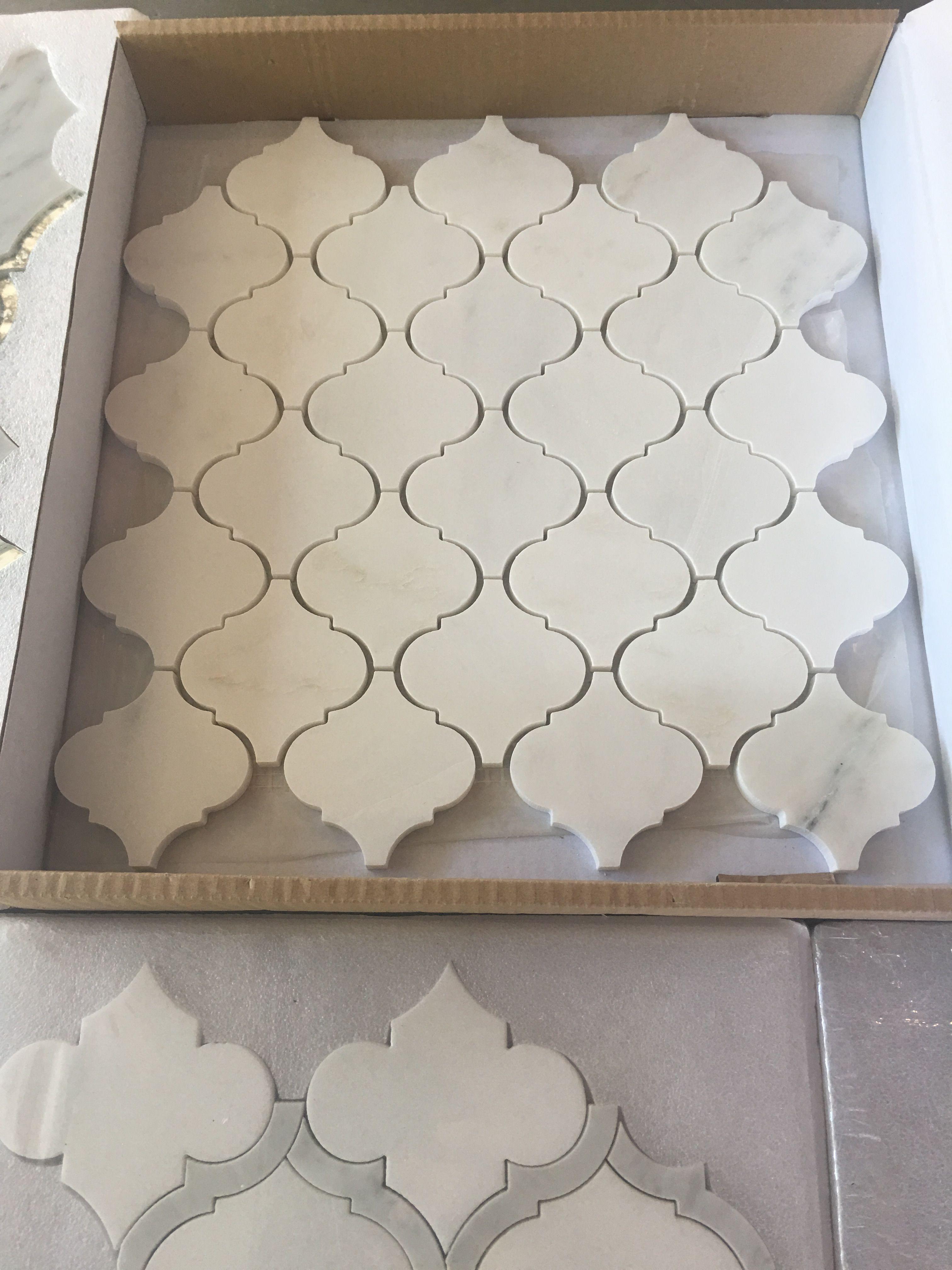 Love This Arabesque Pattern Backsplash Arabesque Arabesque Tile Bathroom Bathroom Floor Tiles