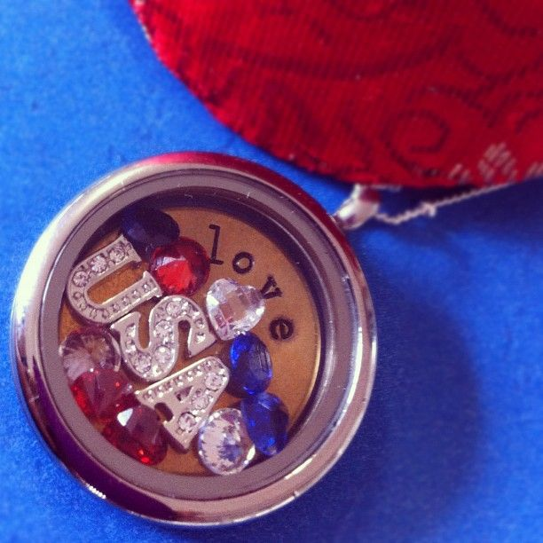 Independence Day Locket- I'm proud to be an American!  Origami Owl has something for every occasion! www.origamiowl.com